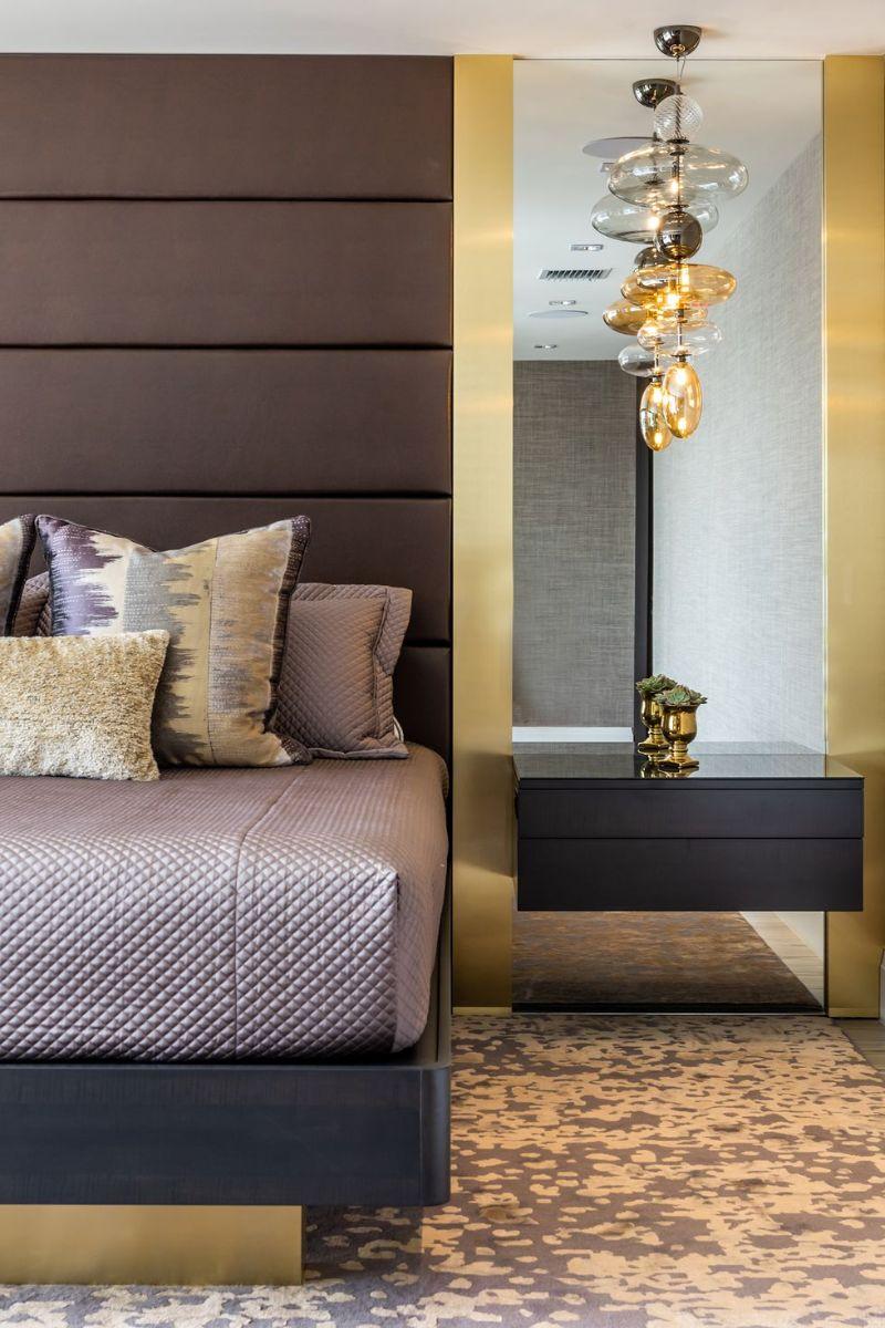 10 Impressive Bedrooms With Luxury Chandeliers luxury chandeliers 10 Impressive Bedrooms With Luxury Chandeliers 10 Impressive Bedrooms With Luxury Chandeliers 6