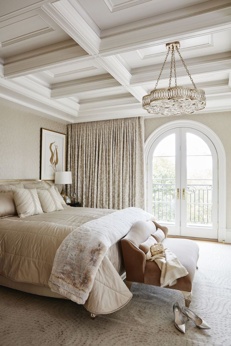 10 Impressive Bedrooms With Luxury Chandeliers luxury chandeliers 10 Impressive Bedrooms With Luxury Chandeliers 10 Impressive Bedrooms With Luxury Chandeliers 9