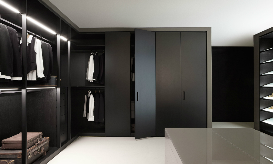 black walk-in closets Design Inspiration: 10 Modern And Contemporary Black Walk-in Closets featured 5