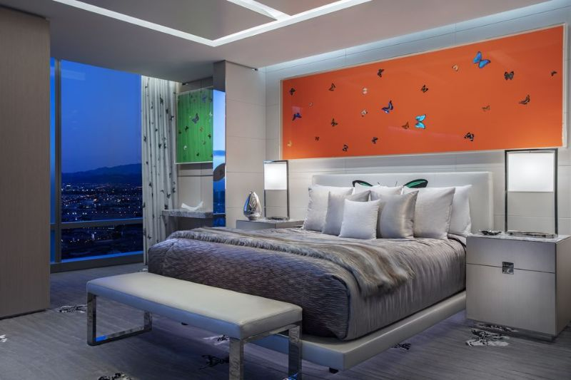 The World's Most Expensive Hotel Suite In Las Vegas by Damien Hirst the world's most expensive hotel suite The World's Most Expensive Hotel Suite In Las Vegas by Damien Hirst The World   s Most Expensive Hotel Suite In Las Vegas by Damien Hirst 4