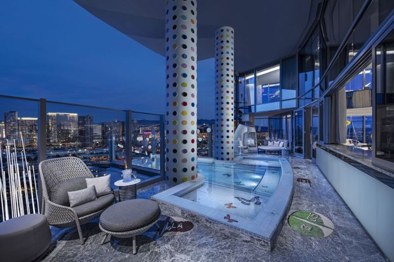 The World's Most Expensive Hotel Suite In Las Vegas by Damien Hirst the world's most expensive hotel suite The World's Most Expensive Hotel Suite In Las Vegas by Damien Hirst The World   s Most Expensive Hotel Suite In Las Vegas by Damien Hirst 8