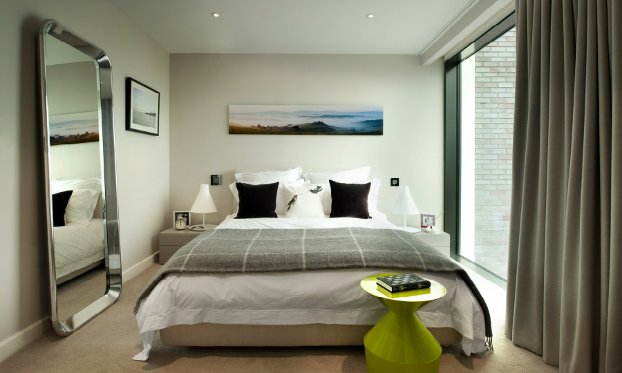 contemporary bedroom 10 Contemporary Bedroom Designs With Floor Mirrors featured 5
