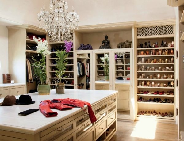 walk-in closets Get Inspired By These Celebrities' Contemporary Walk-In Closets featured 9 600x460