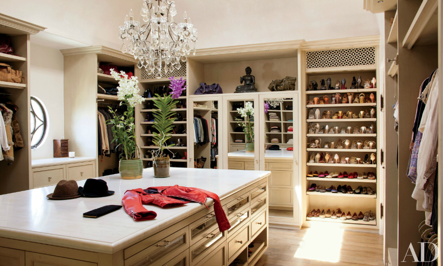 walk-in closets Get Inspired By These Celebrities' Contemporary Walk-In Closets featured 9