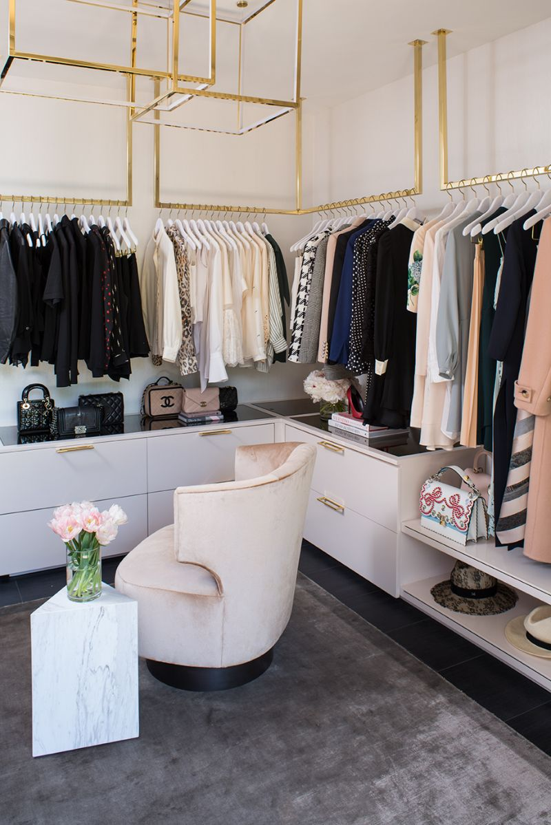 Lisa Adams Exposes Her Décor Secrets To Design A Celebrity Closet celebrity closet Lisa Adams Exposes Her Décor Secrets To Design A Celebrity Closet Lisa Adams Exposes Her D  cor Secrets To Design A Celebrity Closet 9