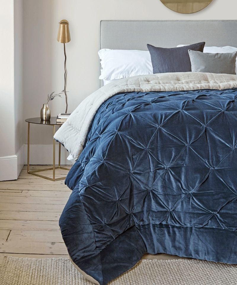 Bedroom Design Projects Inspired By Classic Blue Pantone Color Of 2020 classic blue Bedroom Design Projects Inspired By Classic Blue Pantone Color Of 2020 Bedroom Design Projects Inspired By Classic Blue Pantone Color Of 2020 4