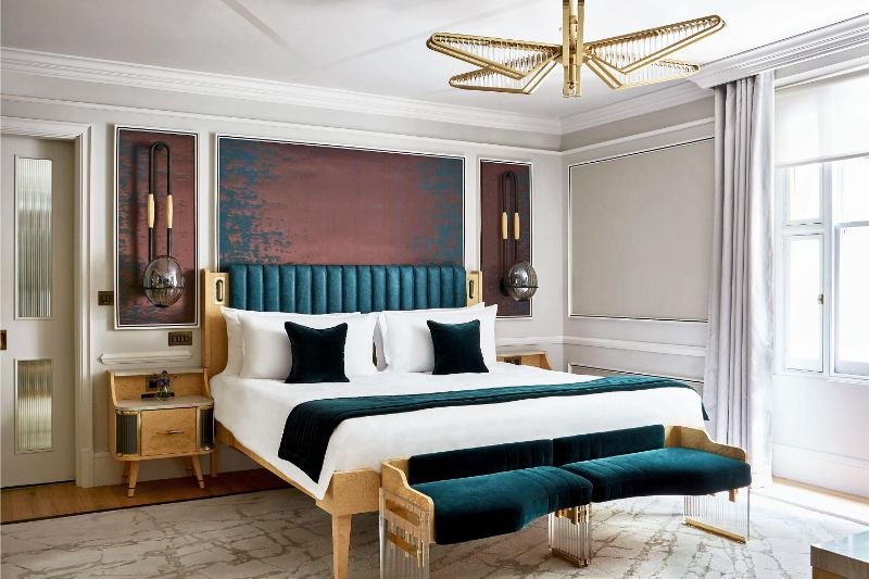 Joyce Wang's Sense Of Drama Inside Her Bedroom Design Projects joyce wang Joyce Wang's Sense Of Drama Inside Her Bedroom Design Projects Joyce Wangs Sense Of Drama Inside Her Bedroom Design Projects 4