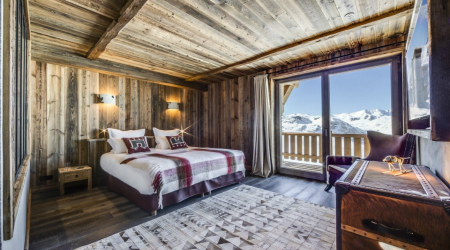 contemporary bedrooms Contemporary Bedrooms Inside French Alps Luxury Hotels featured 1 900x500 master bedroom ideas Master Bedroom Ideas featured 1 900x500