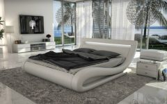 curved modern beds Curved Shapes – Design Trend 2020: Here Are 10 Curved Modern Beds featured 10 240x150