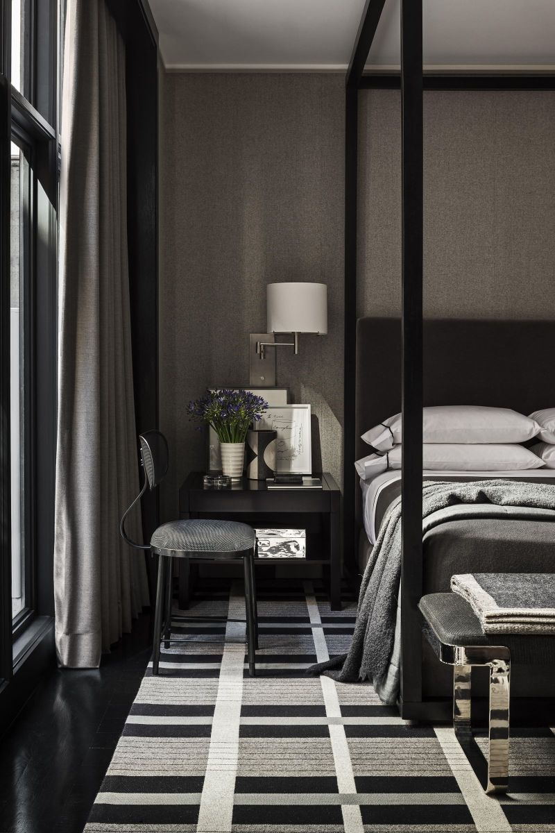 Dark Meets Modernity: 10 Contemporary Bedroom Designs To Inspire You contemporary bedroom Dark Meets Modernity: 10 Contemporary Bedroom Designs To Inspire You 5