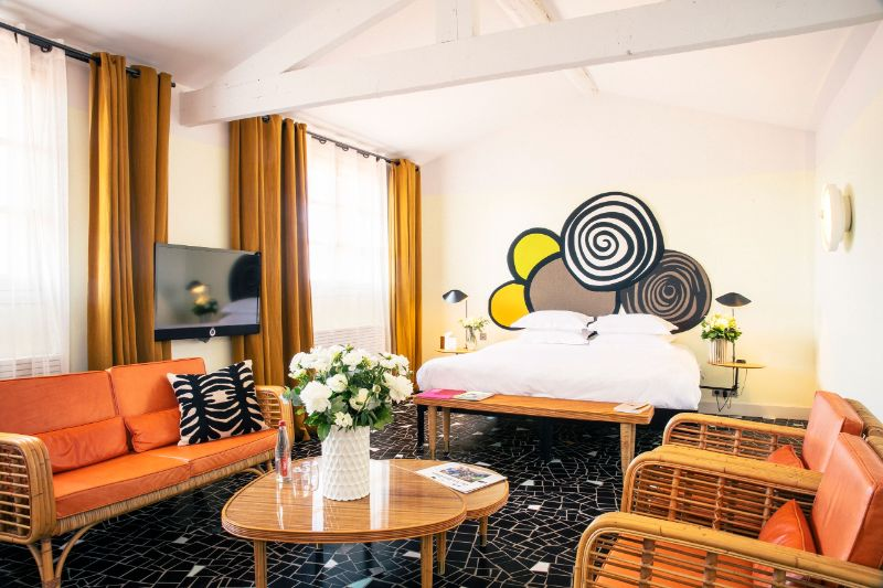 Le Cloître Hotel In Arles: A Picturesque Interior Design By India Mahdavi india mahdavi Le Cloître Hotel In Arles: A Picturesque Design By India Mahdavi Le Clo  tre Hotel In Arles A Picturesque Interior Design By India Mahdavi 10