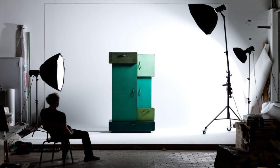 maarten de ceulaer Iconic Bedroom Furniture Pieces By Maarten De Ceulaer A Pile of Suitcases 2 1920x1284 1
