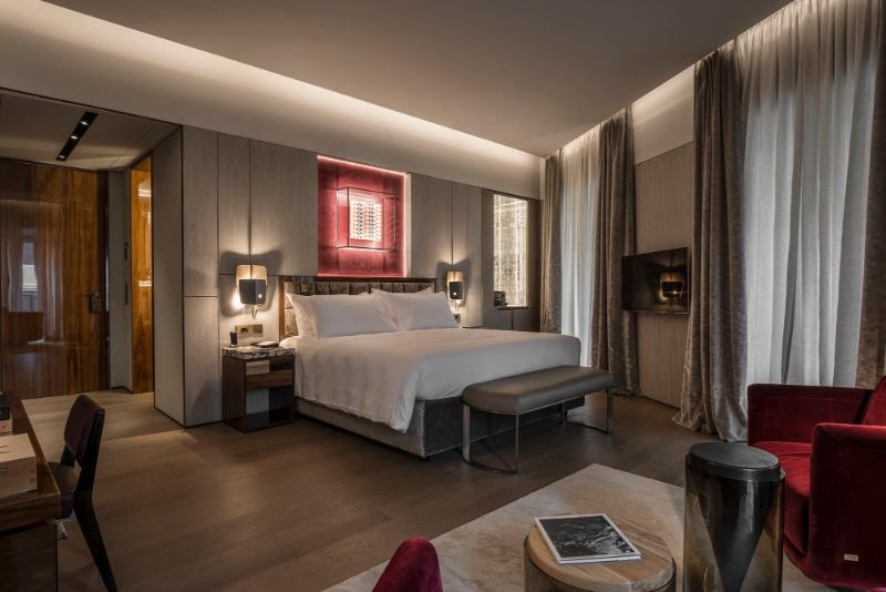 The Fendi Private Suites: Modern And Elegant Master Bedrooms In Rome fendi The Fendi Private Suites: Modern And Elegant Master Bedrooms In Rome de luxe suite 1