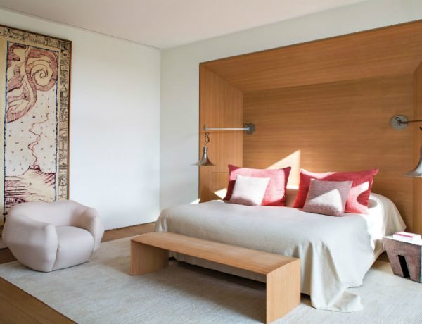 pierre yovanovitch Refined And Modern Bedroom Interiors By Pierre Yovanovitch featured 5 600x460