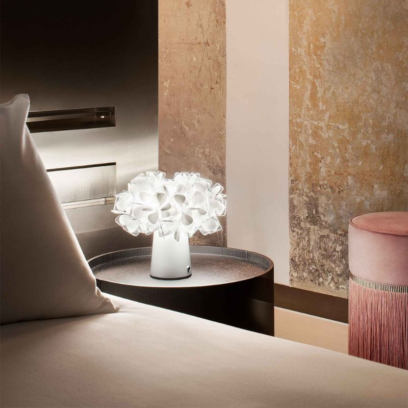 10 Modern Table Lamps By Slamp: A Glam Touch Inside Your Bedroom slamp 10 Modern Table Lamps By Slamp: A Glam Touch Inside Your Bedroom CLIZIA TABLE