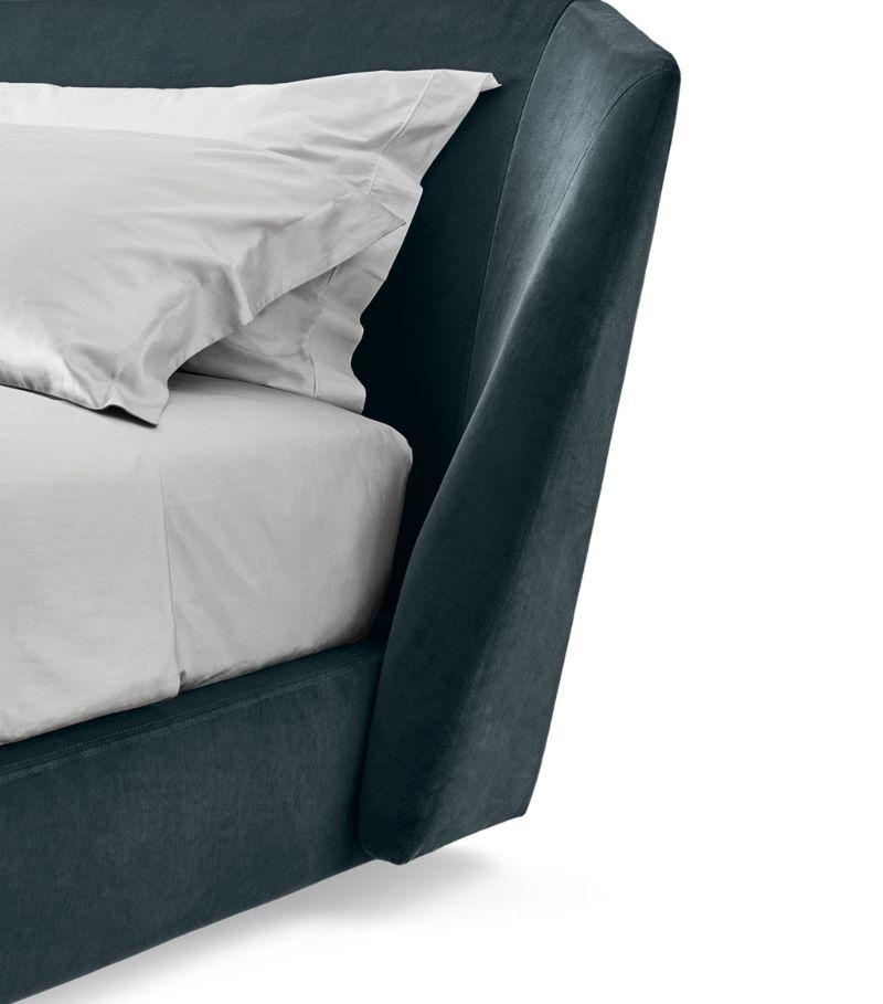 Discover Gallotti And Radice's Furniture Pieces For Your Bedroom gallotti and radice Discover Gallotti And Radice's Furniture Pieces For Your Bedroom Xeni 1