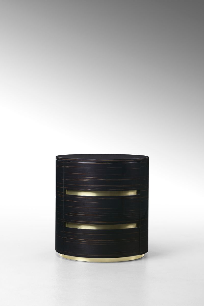 Cosmopolitan, Intense, Glamorous: Bedroom Furniture By Fendi Casa fendi casa Cosmopolitan, Intense, Glamorous: Bedroom Furniture By Fendi Casa ASJA BEDSIDE TABLE 2