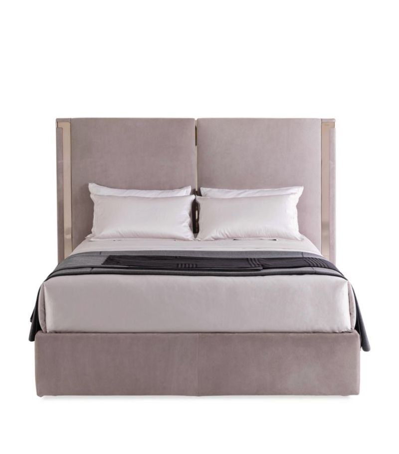 Cosmopolitan, Intense, Glamorous: Bedroom Furniture By Fendi Casa fendi casa Cosmopolitan, Intense, Glamorous: Bedroom Furniture By Fendi Casa ICON BED
