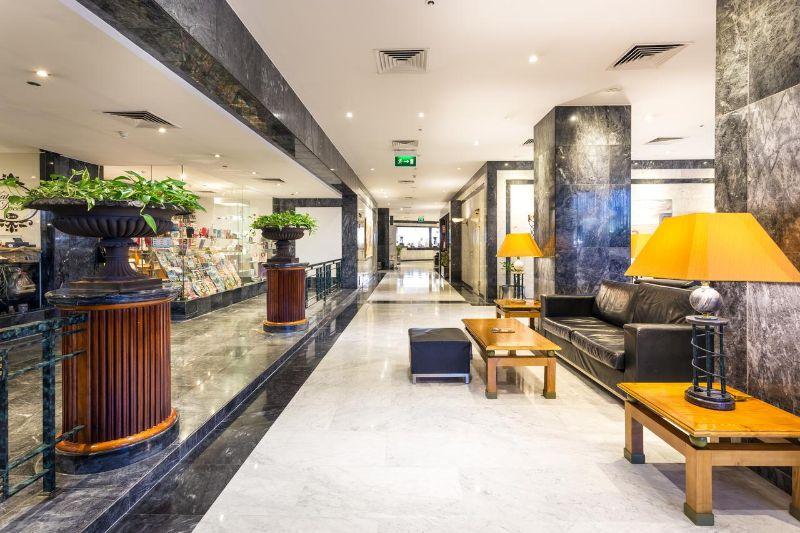 Savor The Portuguese Vibe: Discover The Radisson Blu Hotel In Lisbon