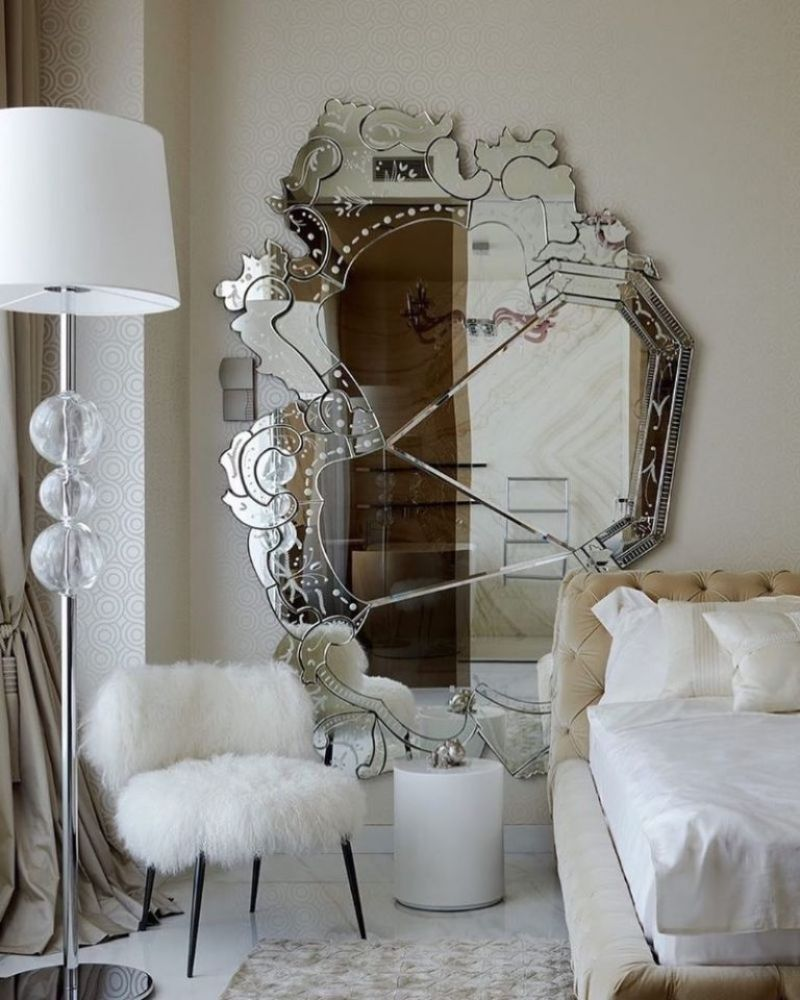 The Best Luxury Mirrors Too Enhance Your Bedroom Design luxury mirror The Best Luxury Mirrors Too Enhance Your Bedroom Design 51461929 2108545232586824 7058645419981457399 n 768x960 1