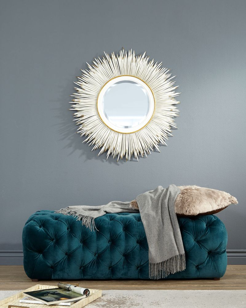 The Best Luxury Mirrors Too Enhance Your Bedroom Design luxury mirror The Best Luxury Mirrors Too Enhance Your Bedroom Design NMHAGBH ez 1