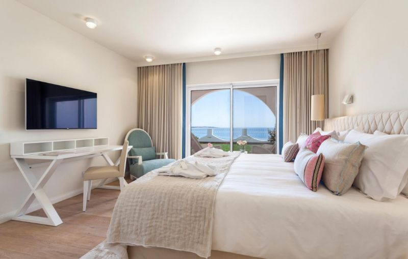 Vila Vita Hotel - A Luxury And Elegant Hotel In Portugal vila vita hotel Vila Vita Hotel – A Luxury And Elegant Hotel In Portugal Residence Grand Suite  MG 1718 1