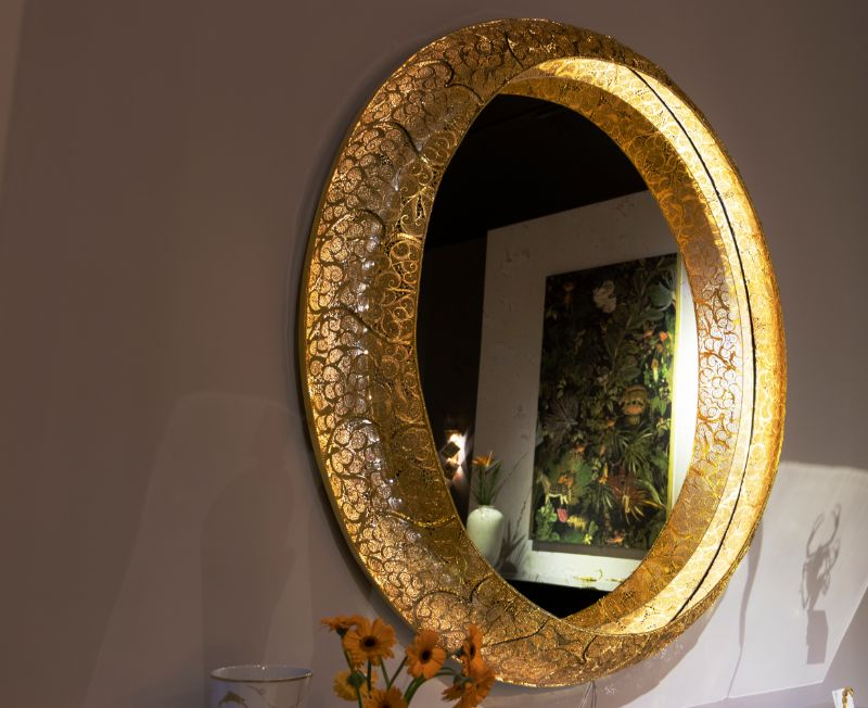 The Best Luxury Mirrors Too Enhance Your Bedroom Design luxury mirror The Best Luxury Mirrors Too Enhance Your Bedroom Design isaloni 28 HR 1