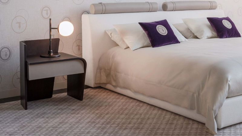 10 Luxury Bedside Tables To Warm Your Bedroom For This Winter luxury bedside table 10 Luxury Bedside Tables To Warm Your Bedroom For This Winter d3016c931c5198a649bf4fa077f99ce1 1