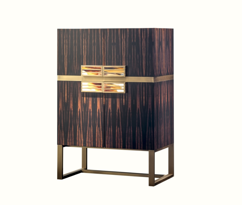 25 Modern Cabinets To Give A Special Touch To Your Master Bedroom modern cabinet 25 Modern Cabinets To Give A Special Touch To Your Master Bedroom Mod6027EBO 1