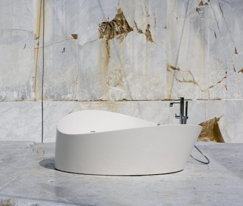 Elevate Your Master Bedroom – Luxury Bathtubs That Will Steal The Show luxury bathtubs Luxury Bathtubs With Extraordinary Designs Antonio Lupi Dune 001 Copia 1024x871 1