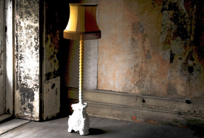 20 Floor Lamps That Will Transform Your Space floor lamp 20 Floor Lamps That Will Transform Your Space Skyscraper 1
