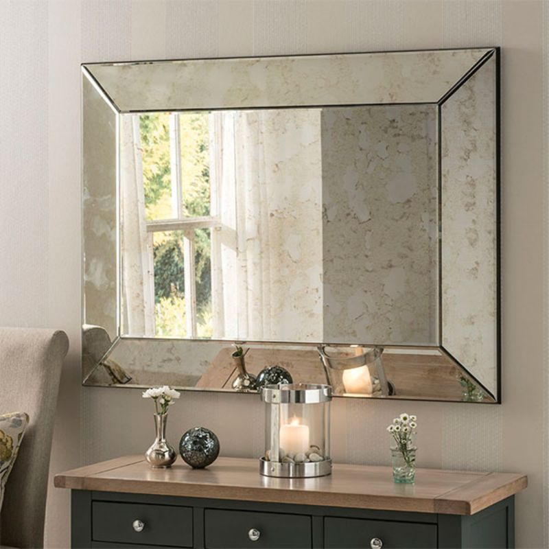 20 Charming Luxury Mirrors To Enhance Your Bedroom Design luxury mirror 20 Charming Luxury Mirrors To Enhance Your Bedroom Design bordeaux
