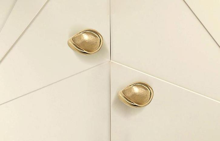 17 Luxury Handles to Transform Your Bedroom luxury handle 17 Luxury Handles to Transform Your Bedroom ergos by pullcast