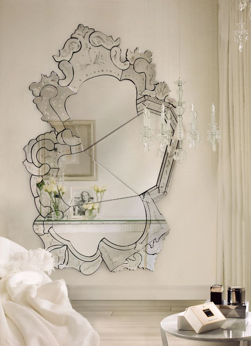 20 Charming Luxury Mirrors To Enhance Your Bedroom Design luxury mirror 20 Charming Luxury Mirrors To Enhance Your Bedroom Design venice 06