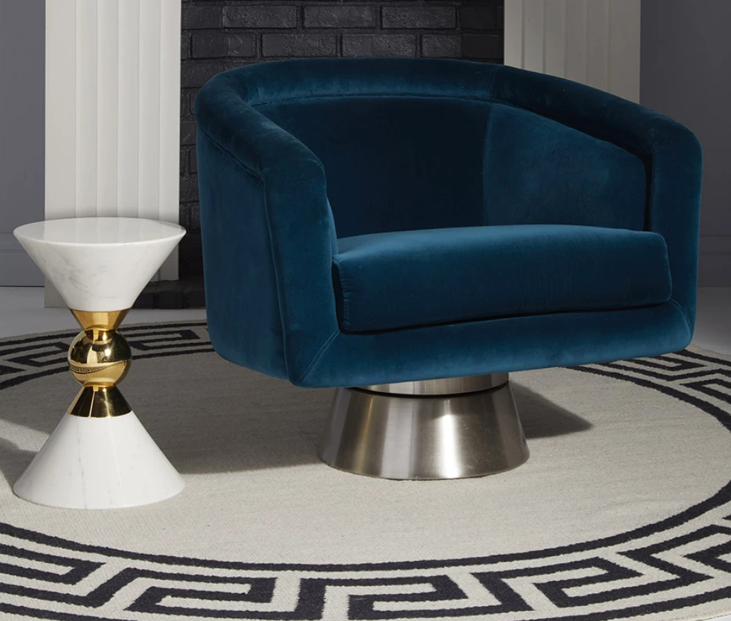 20 Luxury Armchairs to Add To Your Bedroom luxury armchair 20 Luxury Armchairs to Add To Your Bedroom bacharach 2
