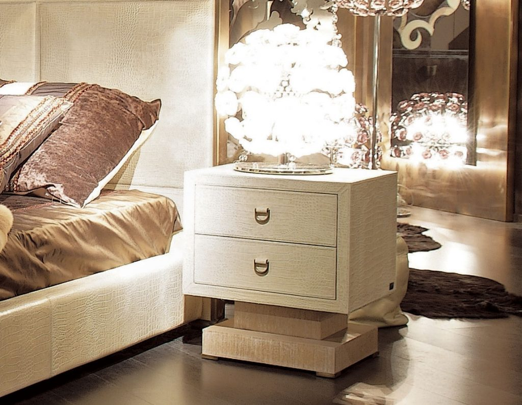 20 Neutral Luxury Nightstands for Your Home luxury nightstand 20 Neutral Luxury Nightstands for Your Home parigi 1024x795