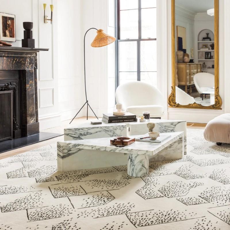 luxury rug Luxury Rugs For Your Imposing Master Bedroom 9acd22dd8ea7969fcc59dd14323b41c6