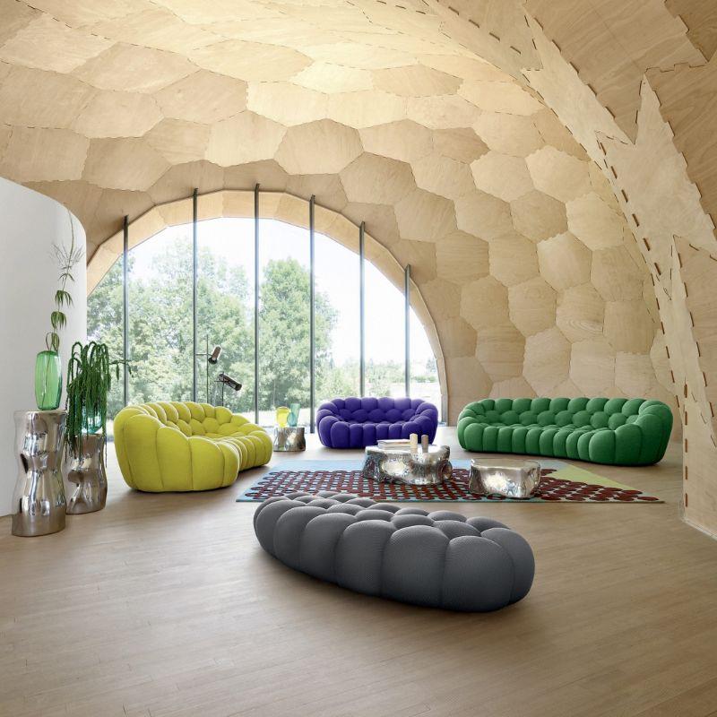 luxury sofas Luxury Sofas For An Opulent Bedroom roche babois