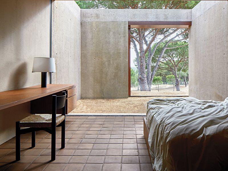Vincent Van Duysen Minimalist Bedroom vincent van duysen Vincent Van Duysen Minimalist Bedroom 09tmag vanduysen slide TPU1 superJumbo 1