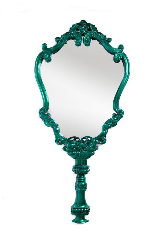 Luxury Mirrors to Refresh Your Interior Bedroom luxury mirrors Luxury Mirrors to Refresh Your Interior Bedroom marie therese mirror limited edition boca do lobo 01 2