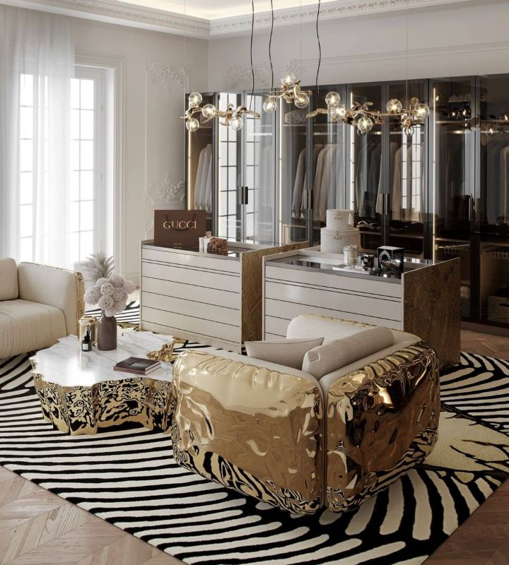 Luxury Mirrors That Will Make Your Master Bedroom Bigger