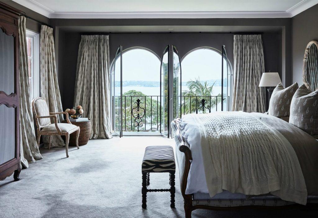 10 Luxury Bedrooms With Incredible Views luxury bedroom 10 Luxury Bedrooms With Incredible Views MHP Mosman StudioKate 072 1360x933 1 1024x702