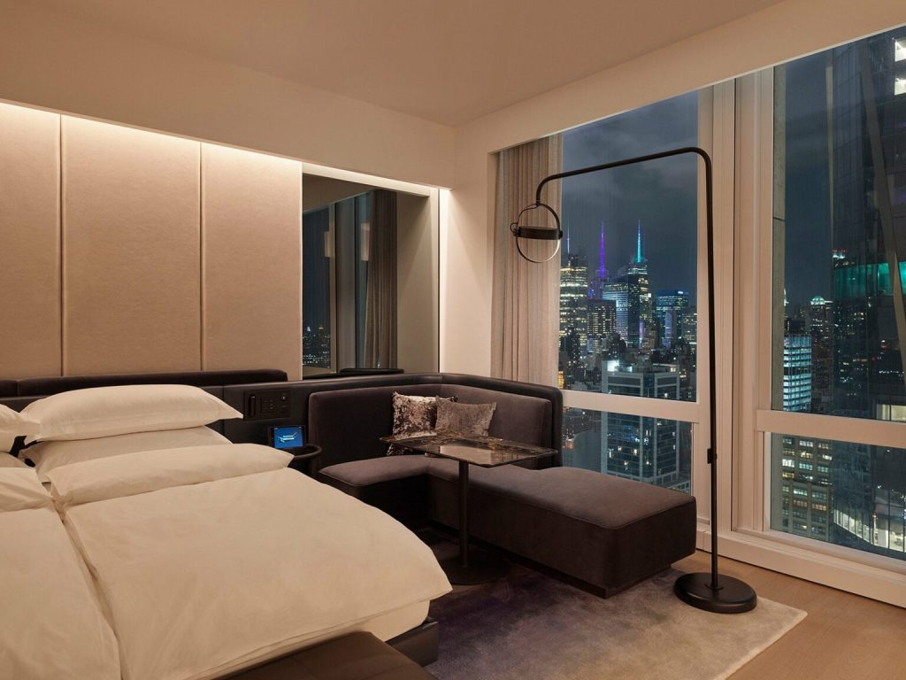 10 Luxury Bedrooms With Incredible Views luxury bedroom 10 Luxury Bedrooms With Incredible Views S07 DeluxeKingCity W2 City Hero 0144 v2 3000 QC 1536x1152 1 1024x768