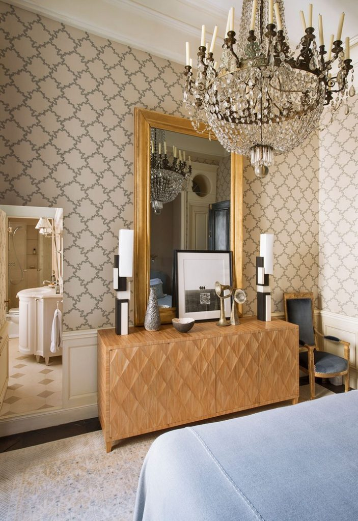 Gold Mirror in Bedrooms - Luxury Ideas For Your Home